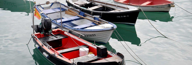 Botes en el puerto de Castro Urdiales.