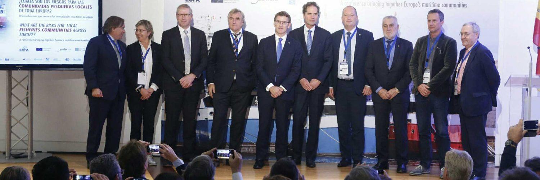 Feijóo, López Asenjo, Quintana y representantes de las comunidades pesqueras europeas. / Xunta de Galicia