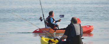 Pesca deportiva desde kayak.