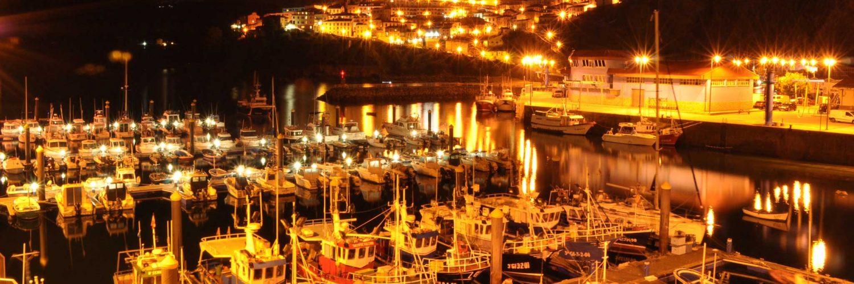 Puerto de Lastres de noche.