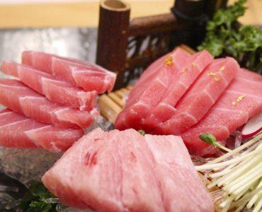 Plato de atún rojo.